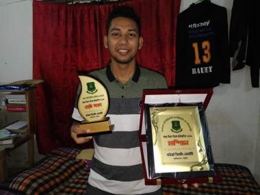 Rakibul Hasan (1st Batch) the Best Speaker in Debate Competition